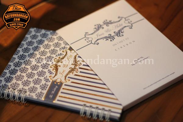 Kartu Undangan Bentuk Buku Dengan Cover